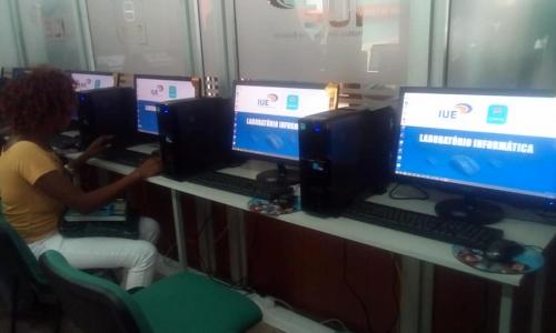 IUE inaugurou o Laboratório de Informática na Escola de Formação de Professores da Praia