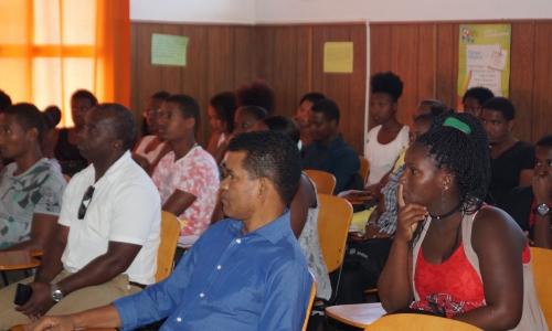"""A Escola de Formação de Professores da Praia acolheu, na manhã do dia 25 de abril de 2017, uma conferência subordinada ao tema """"Coding:"""